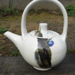 Tea pot with decolation