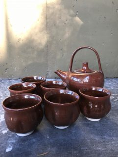 Set of 6 cups and Teapot (Stoneware) Iron glaze