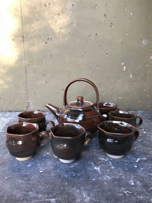 Set of 6 Cups ( Hexagonal ) and Teapot - Tenmoku glaze